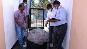 The world's largest cluster of sapphires weighing 510 kilograms is found in a home garden in Sri Lanka