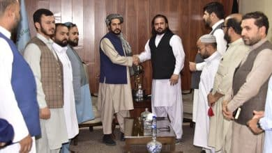 Taliban leaders throw a party with Afghan cricketers ..!
